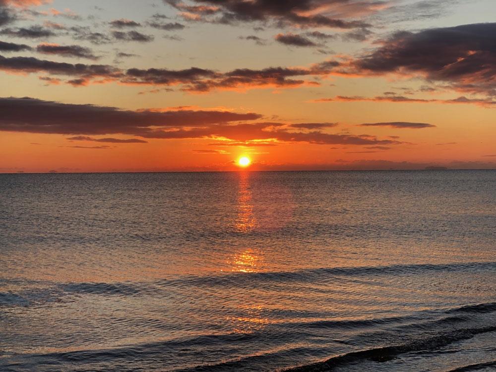 2020年1月2日、町屋海岸からの日の出